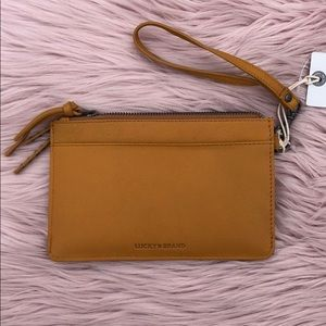 🆕 Lucky Brand Leather Wristlet